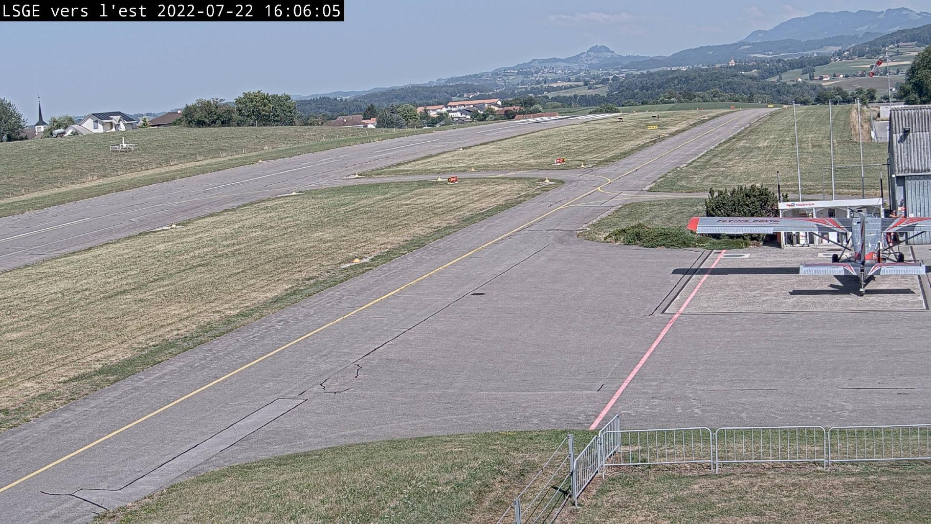 Ecuvillens: Aérodrome Régional - Est - Ost